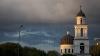 SCANDAL! Un preot din Capitală, ACUZAT că înșeală creștinii şi face exorcism fără permisiunea Mitropoliei