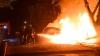 PANICĂ ŞI FOC! O țigară aruncată la întâmplare a făcut SCRUM o mașină de teren în Capitală (VIDEO)