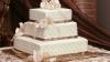 Au aşezat tortul de nuntă pe masă şi au stins lumina. Ce urmează e fabulos (VIDEO)