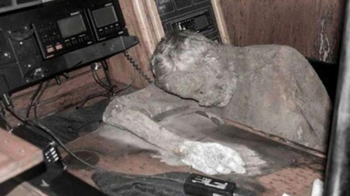Enigmă în Oceanul Pacific. La bordul unui iaht a fost găsit un cadavru mumificat (VIDEO)