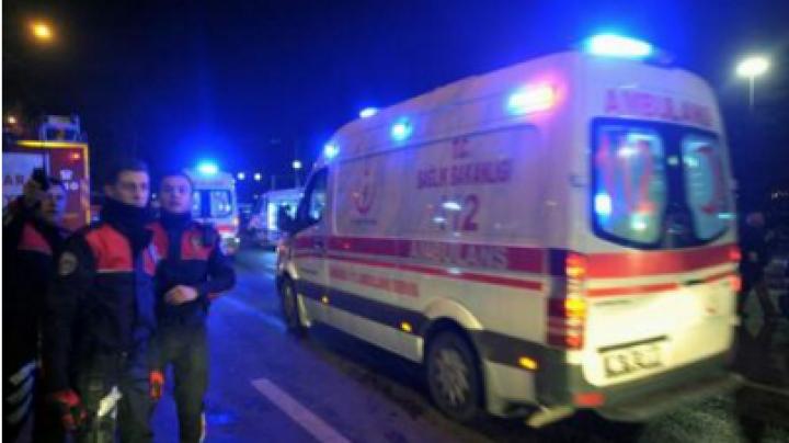Accident de microbuz cu 16 turişti români în Turcia: Doi morţi, ceilalţi transportaţi la spitale