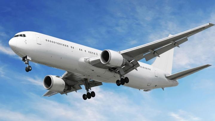 Un avion al companiei Norwegian, cu aproape 200 de oameni la bord, a efectuat o ATERIZARE DE URGENȚĂ