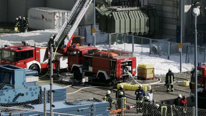 Alertă chimică în Hamburg. Autorităţile cer oamenilor să rămână în case