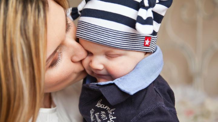 Şase lucruri pe care NU trebuie să le faci atunci când ai un bebeluş