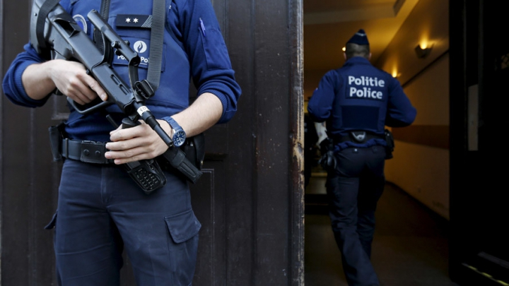 Un polițist belgian cunoștea unde se ascundea Abdeslam, creierul atentatelor din Paris