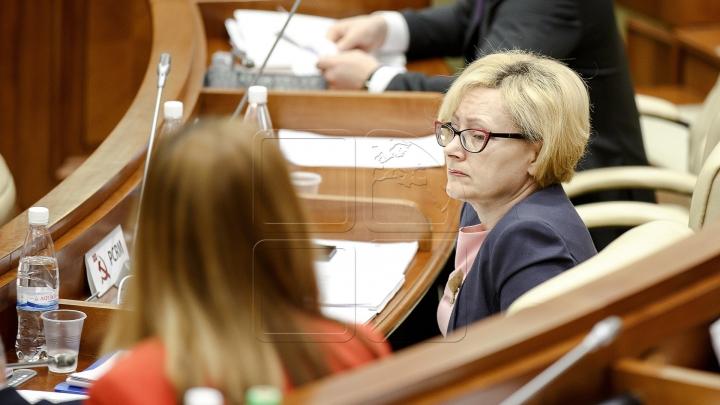 CNA o citează A DOUA OARĂ pe parlamentara Elena Bodnarenco să spună cine a vrut s-o mituiască