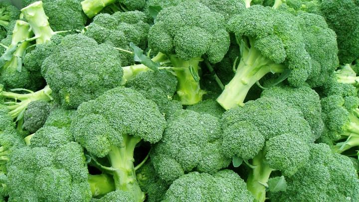 ESTE BINE SĂ ȘTII! Ce proprietăți și beneficii oferă broccoli sănătății