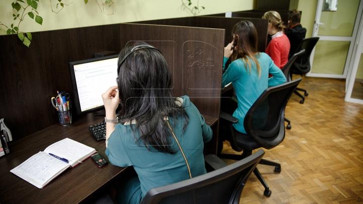 Obișnuiești să lucrezi peste program la birou? RISCURILE la care te expui