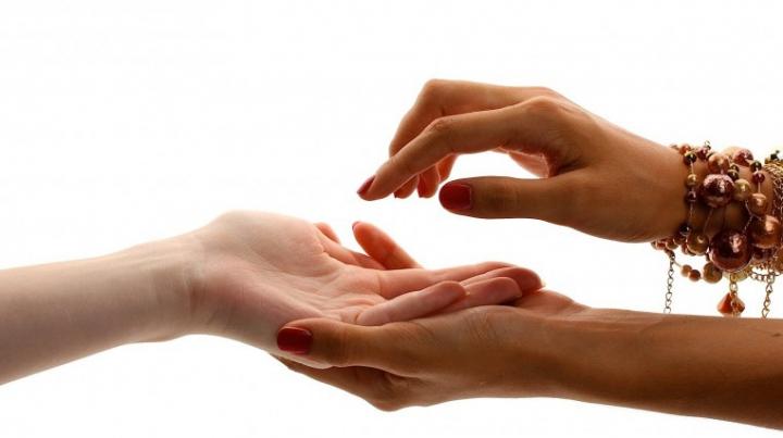 UIMITOR! Ce spune linia palmei despre dragoste și căsătorie