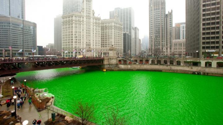 FENOMENAL! Râul Chicago a devenit verde. Iată MOTIVUL (VIDEO)
