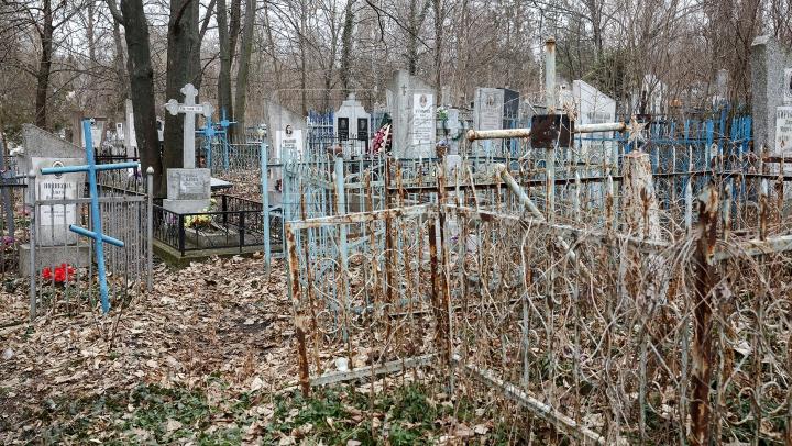 E cel mai înfricoșător loc de pe planetă! Noaptea, în acest cimitir se întâmplă lucruri ÎNSPĂIMÂNTĂTOARE