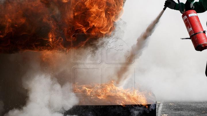 PANICĂ la Vamă! Un autocamion ucrainean a fost cuprins de flăcări