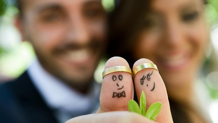 Îţi doreşti o familie frumoasă? Află cu cine te căsătoreşti în funcţie de zodie