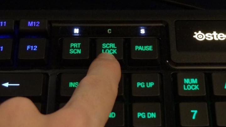 La ce trebuie folosită de fapt tasta SCROLL LOCK. Funcția de care nu știe nimeni