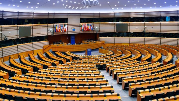 În urma evenimentelor sângeroase din Belgia, Parlamentul European ȘI-A SISTAT activitatea