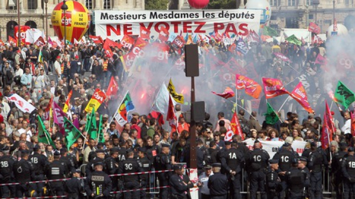 Grevă în Franţa. Protestul față de noua legislație a muncii a mobilizat sindicatele