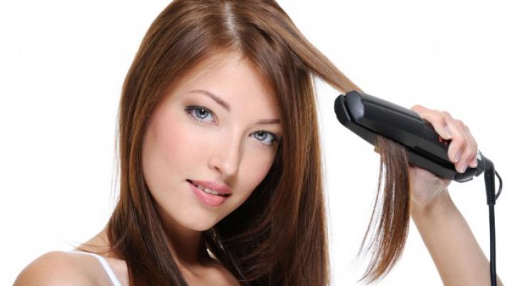 3 secrete ca să nu-ți distrugi părul cu placa