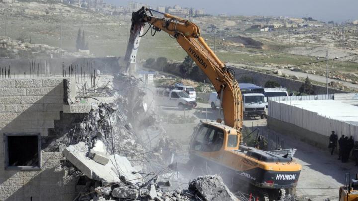 Scandalos! Israelul distruge tot mai multe clădiri pentru palestinieni, construite cu ajutorul ONU