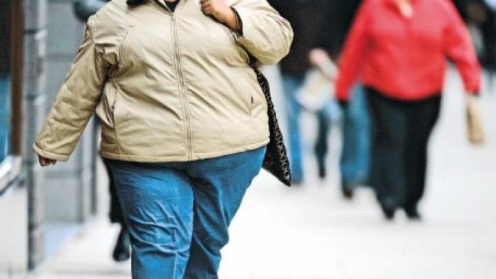Aerul poluat, posibilă cauză a obezităţii. Cum poate influenţa acesta creşterea în greutate