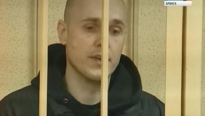 A crezut că versurile îl vor scăpa de închisoare! Prestația unui infractor în sala de judecată (VIDEO)