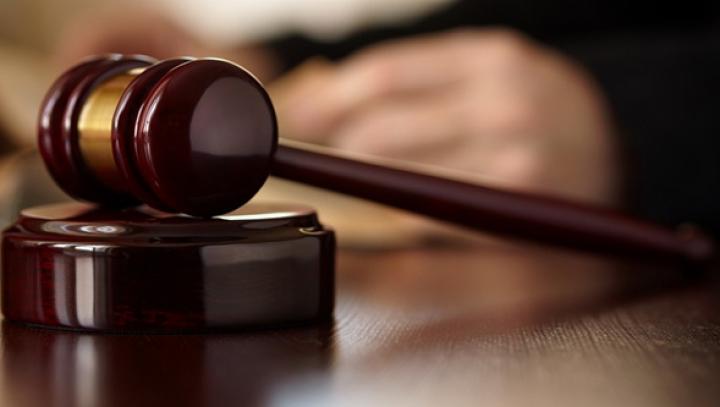 """Tânărul care a încercat să violeze o angajată a Universităţii de Stat """"Ion Creangă"""", pe mâna judecătorilor"""