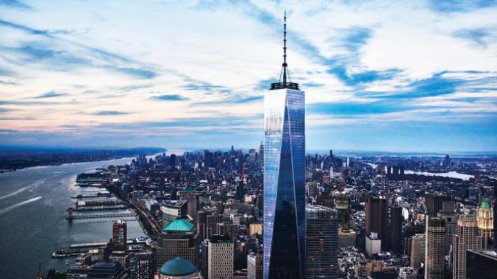GAFĂ DE PROPORȚII: Clădirea One WTC, luminată în roșu, galben și albastru în loc de culorile Belgiei (VIDEO)