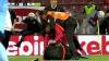 BĂTAIE la meciul dintre Tranbzonspor și Fenerbahce. Un arbitru a fost doborât la pământ