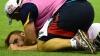 Un fotbalist australian a fost scos pe targă de pe teren. Un adversar l-a făcut knock-out (VIDEO)