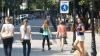 """""""O idee binevenită"""". Oamenii, încântați de construcția unei noi zone pietonale în Chișinău (VIDEO)"""