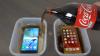 A turnat Cola peste Samsung și iPhone și le-a pus în congelator. Vezi ce s-a întâmplat după (VIDEO)