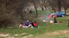 Paştele sărbătorit altfel: Moldovenii au profitat de vreme frumoasă și au ieşit la iarbă verde