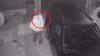 El a spart maşina purtătorului de cuvânt al Primăriei. Dacă l-ai recunoscut, ANUNŢĂ poliţia (VIDEO)