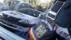 """""""Lovit și scuipat în ochi"""". Cinci studenți moldoveni au depus plângere împotriva unui polițist din Oradea"""