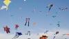 Zeci de zmeie din hârtie au fost lansate în aer. Evenimentul a fost organizat Ambasada Turciei
