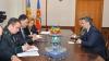 Vizită de adio a ambasadorului României la Ministerul Apărării. Ce distincţie a primit Marius Lazurca