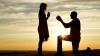 Cerere în căsătorie periculoasă! Un tânăr a urcat pe o stâncă uriașă pentru a-i cere mâna iubitei sale