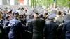 Vor petrece Paștele în familie. Polițiștii răniți în timpul protestelor de duminică au fost externați