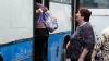 DE RÂS sau DE PLÂNS?! Ce a păţit un bărbat atunci când a vrut să urce într-un autobuz (VIDEO)
