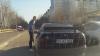 RĂFUIALĂ în trafic! Ce-ar fi vrut să facă un şofer furios, înarmat cu o bâtă (VIDEO)
