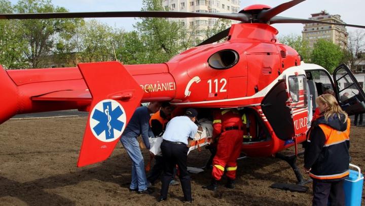 Elicopterul SMURD de peste Prut a salvat viaţa unui bărbat din Nisporeni (VIDEO)