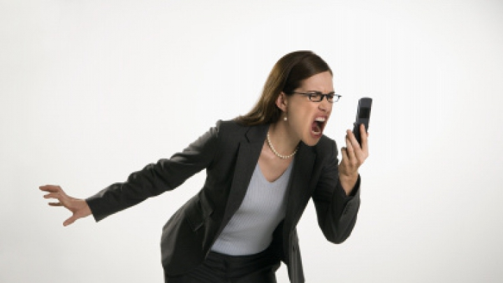VIRAL pe Internet! Metoda neobişnuită prin care o femeie luptă împotriva gadgeturilor (VIDEO)