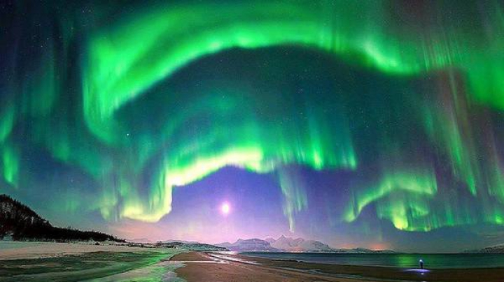 SENZAŢIONAL! Cum se vede aurora boreală de pe Stația Spațială Internațională (VIDEO)