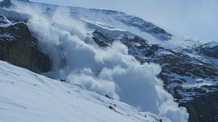 Explozie într-o staţiune de schi din Franţa. Un bărbat, transportat la spital în STARE GRAVĂ