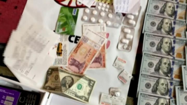 Rețea de traficanți de droguri, destructurată de poliție. Au obținut peste un MILION de lei din vânzări