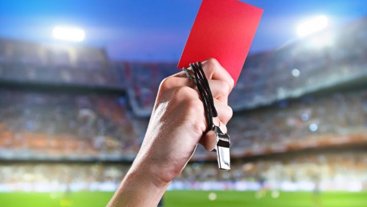 GREU DE CREZUT: Un arbitru defunct, NOMINALIZAT pentru a conduce un meci din liga naţională
