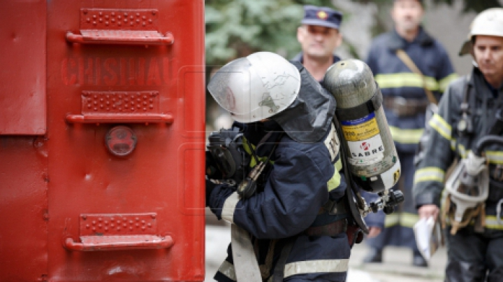 IMAGINEA unor pompieri din Rusia A DEVENIT VIRALĂ! În ce ipostază au fost surprinşi (FOTO)