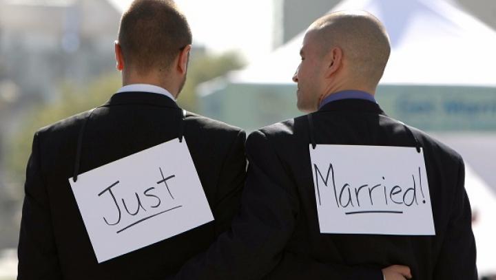 Biserica Luterană din Norvegia va oficia cununiile între homosexuali. Ce pot face preoţii
