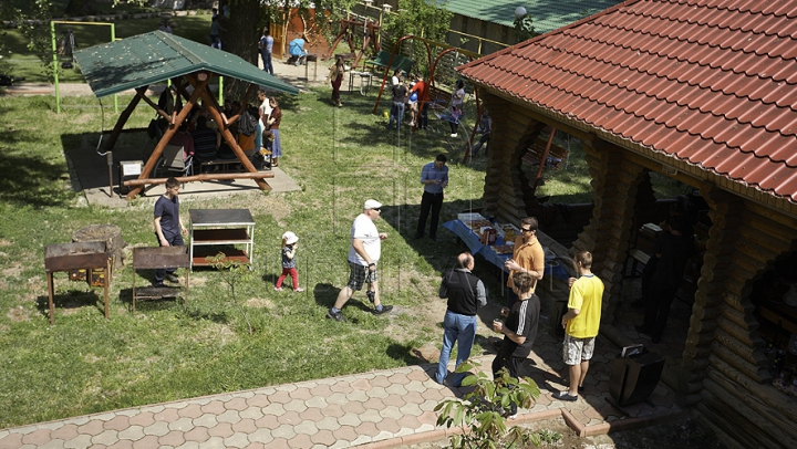 Proprietarii pensiunilor de la Vadul lui Vodă au început pregătirile pentru sezonul estival