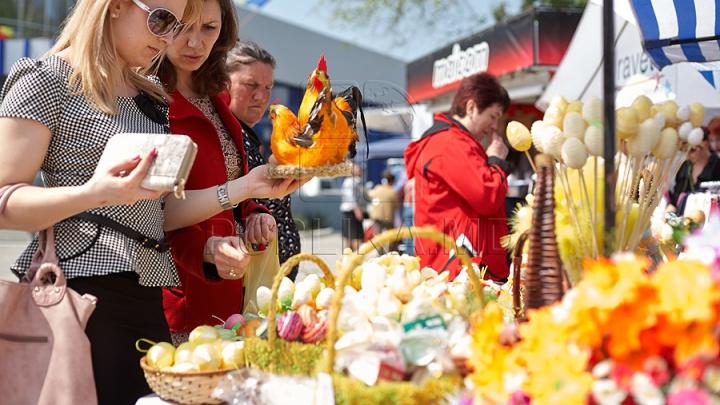 Moldovenii, în forfota pregătirilor de Paște. Un târg cu tematică pascală a fost inaugurat la Orhei