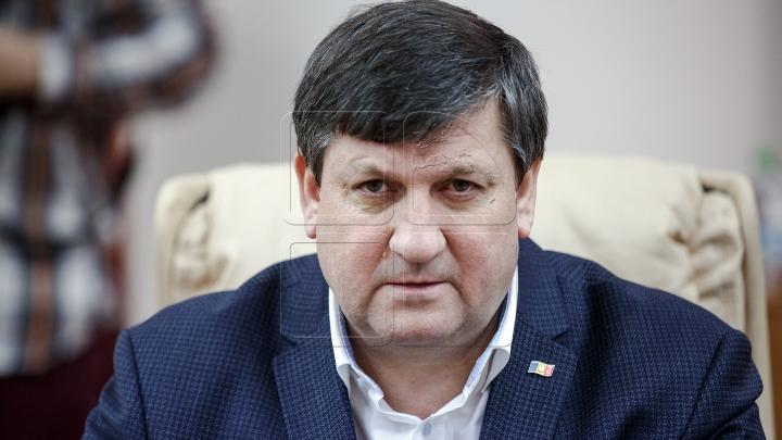 Ministrul Transporturilor, Iurie Chirinciuc, REŢINUT PENTRU 72 de ore
